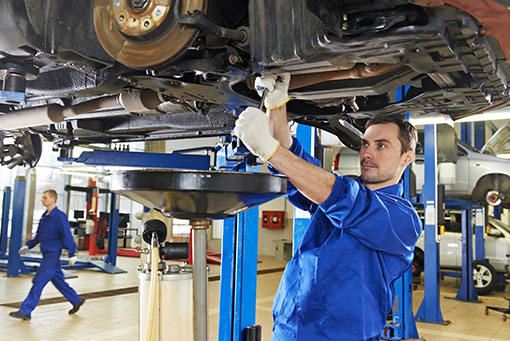how to avoid oil spills car mechanic simulator
